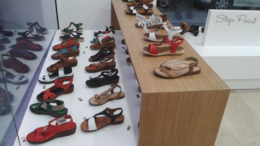 Προβολή-βιτρίνας-διακόσμηση-παπουτσιών-1024x576.jpg