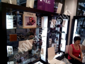 Ανακαίνιση οπτικού καταστήματος κυψέλη οικονόμου οπτικά km store design διακόσμηση καταστημάτων