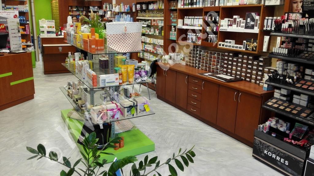 Μονάδες-φαρμακείου-επιτοίχια-έπιπλα-μελαμίνη-καρυδιά-κερασιά-ραφιέρα-φαρμακείου-1024x575.jpg