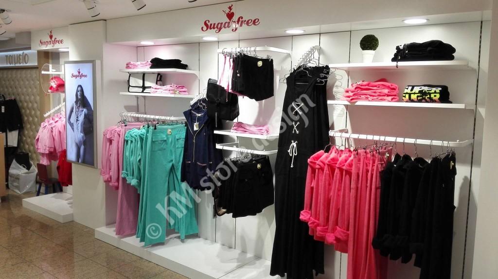 Μονάδες-ρούχων-για-κατάστημα-με-φωτισμό-μελέτη-επίπλωσης-για-καταστήματα-1024x575.jpg