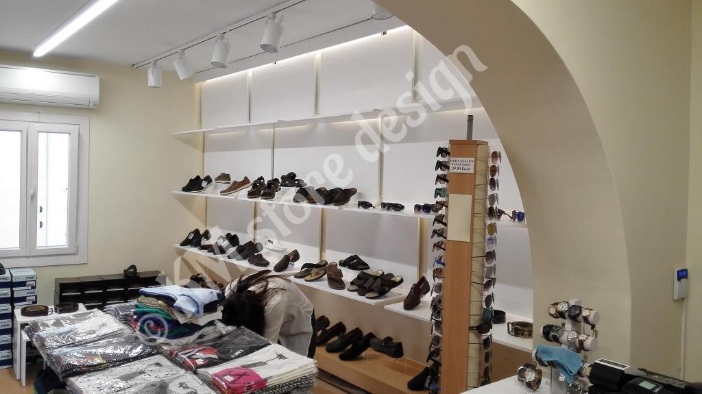 Έπιπλα-καταστημάτων-για-παπούτσια-ρούχα-και-αξεσουάρ-Μύκονος-1024x575.jpg