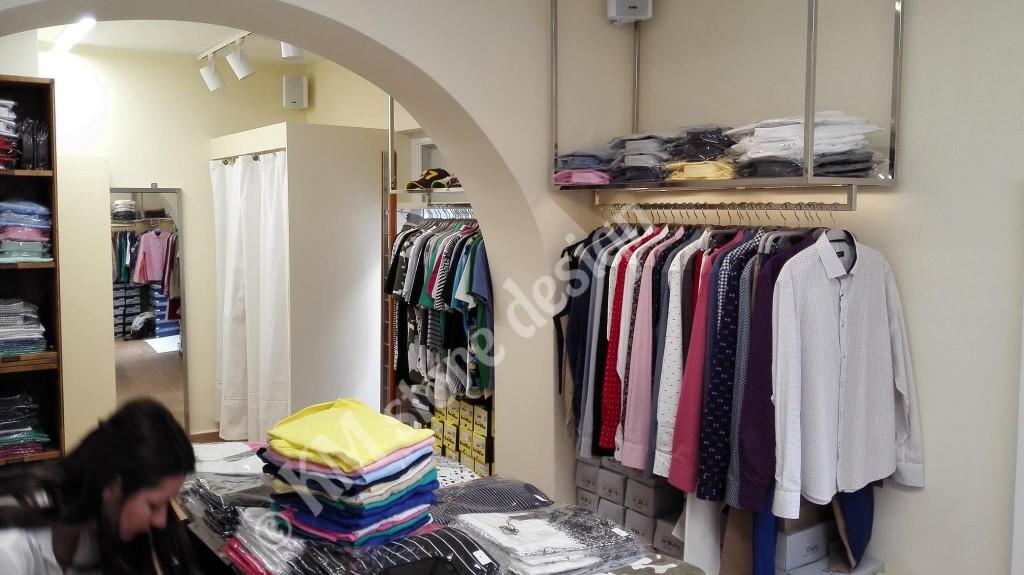 Κρέμαση-ρούχων-από-το-ταβάνι-σε-κατάστημα-ένδυσης-στη-Μύκονο-1024x575.jpg