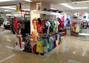 Κεντρικά Στάντ Μονάδες ρούχων Hondos Center
