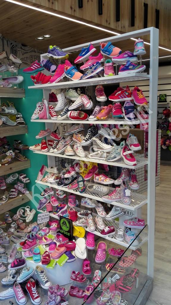 Μεταλλικές-ραφιέρες-παπουτσιών-575x1024.jpg