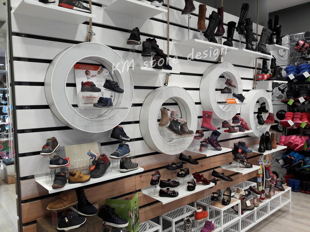 μεταλλικα-σταντ.-μεταλλικα-ραφια-για-παπουτσια.-plexi-glass-για-παπουτσια-2-1024x768.jpg