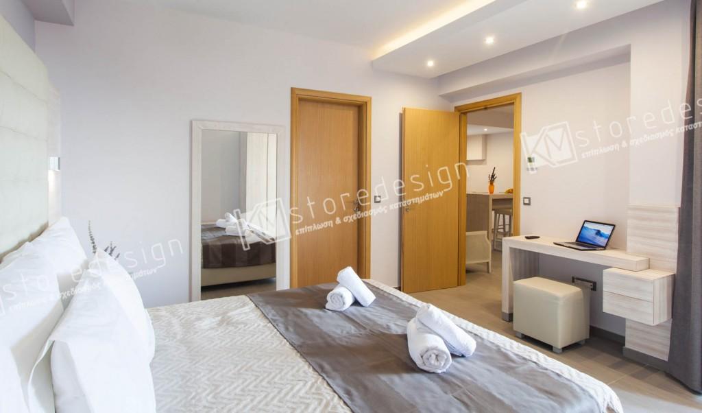 Σιφινιέρες-μπαγκαζιέρες-νοτυλάπες-καθρέπτες-ξενοδοχείου-1024x602.jpg