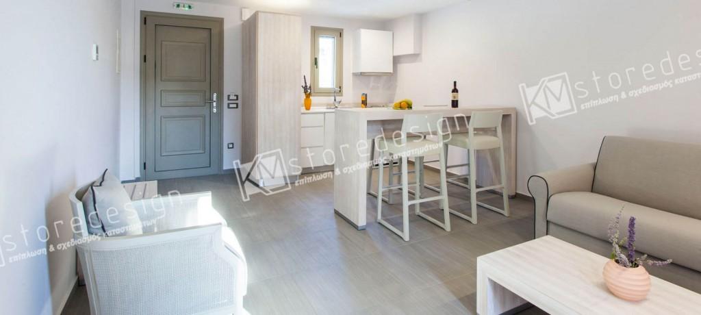 Τραπέζια-και-καρέκλες-ξενοδοχείου-1024x460.jpg