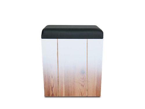 εκθεσιακό-σκαμπό-ξύλινο