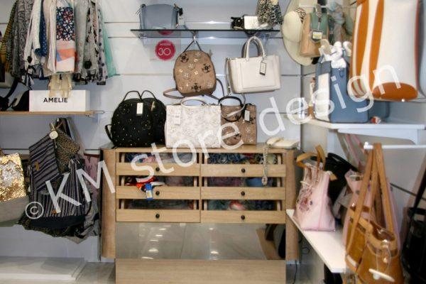 συρταριέρα για κατάστημα γυναικείου αξεσουάρ